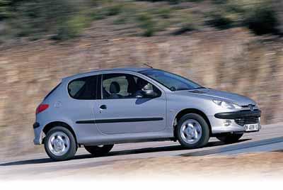 Fiat Punto 1.2 16V ELX 3P / Peugeot 206 XS 3P
