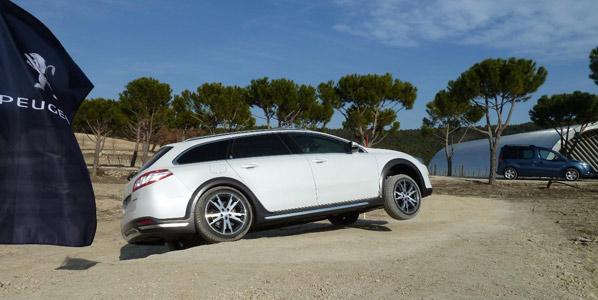Peugeot: posibles ayudas de la CE a los despedidos