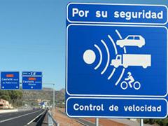 RACE pide la señalización de los radares móviles