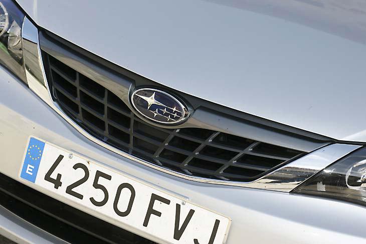 Subaru Impreza 2.0R: detalles exteriores