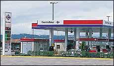 Carrefour abarata siete céntimos las gasolinas