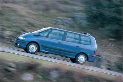 Toyota Avensis Verso D4-D / Renault Espace 1.9 dTi