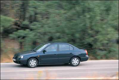Chrysler Neon 1.6 LE vs Hyundai Elantra 1.6 GLS vs Renault Mégane 1.6 Classic