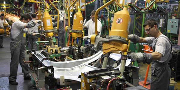 Los fabricantes, cautelosos ante las ayudas