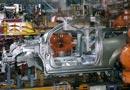 El motor recorta 69.300 empleos
