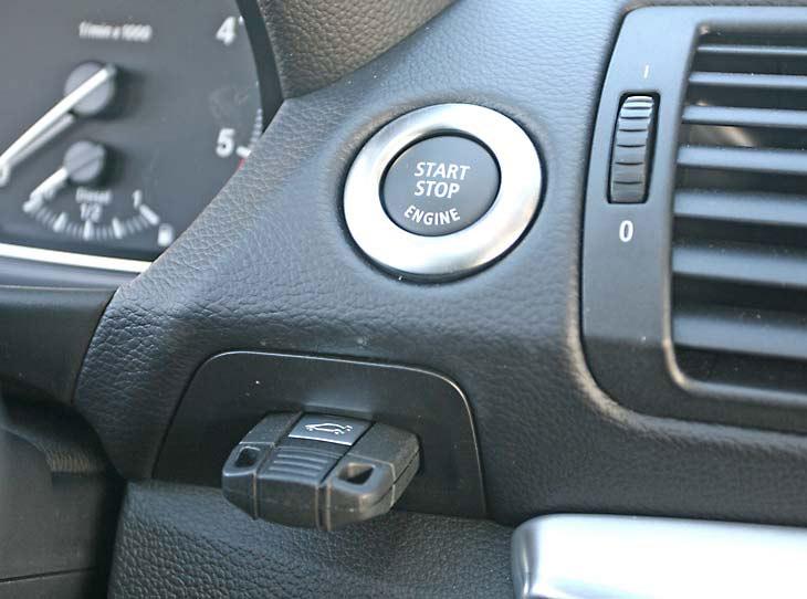 BMW 123d Coupé: interiores