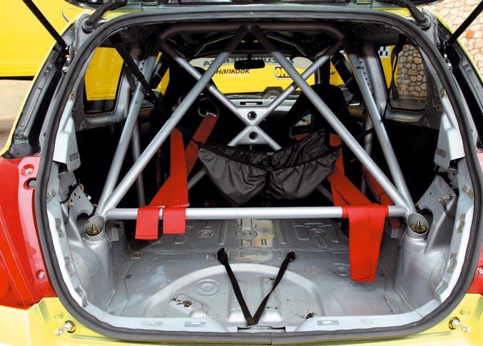 Suzuki Swift 1.6 Copa detalles interior