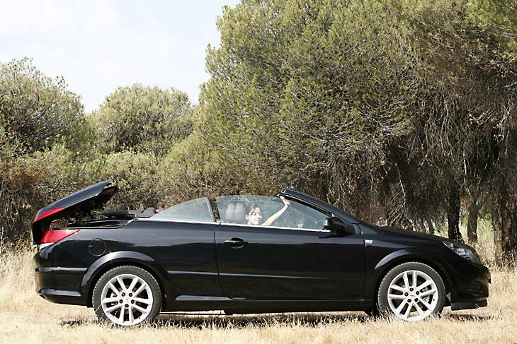 Opel_Astra_TwinTop_1.9_cdti_cosmo_3