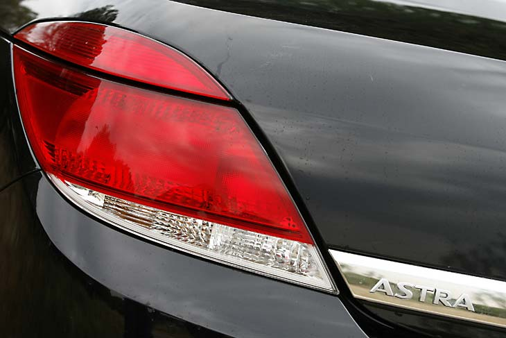 Opel_Astra_TwinTop_1.9_cdti_cosmo_2