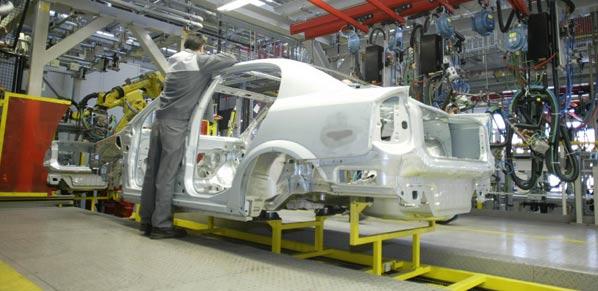 Opel Figueruelas recupera trabajadores del ERE