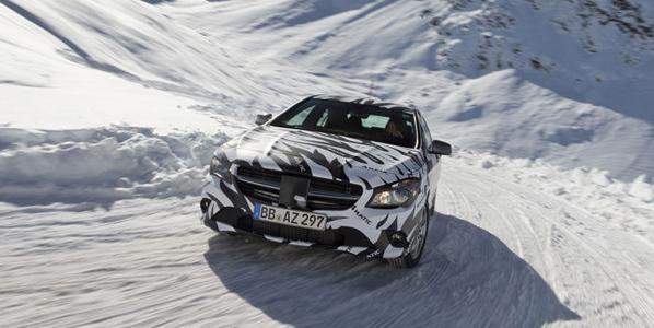 Nuevo Mercedes CLA 2013, a la vista