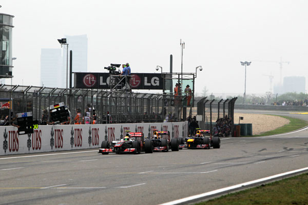 Hamilton, Vettel y Webber, muy pegados a falta de