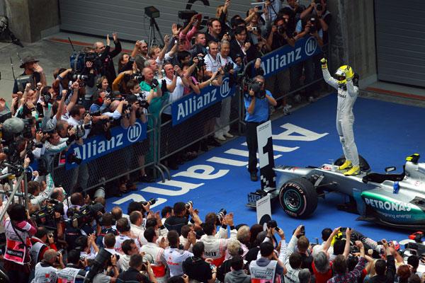 Primera victoria de Rosberg y del equipo Mercedes desde que volvió en 2010 a  la Fórmula 1