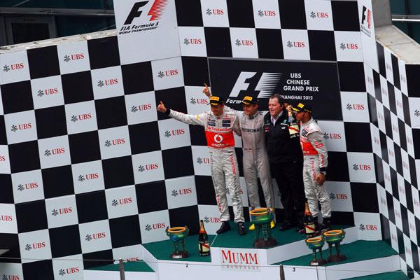 Rosberg, Button y Hamilton, los grandes triunfadores en Shanghai