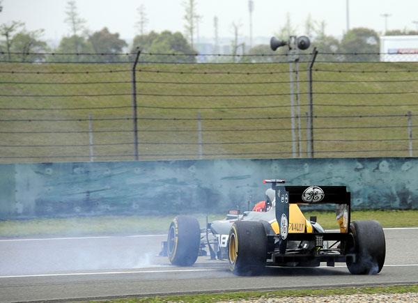 Heikki Kovalainen, trompeando en los entrenamientos libres