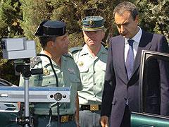 Zapatero acusado de ''frívolo'' con la carretera