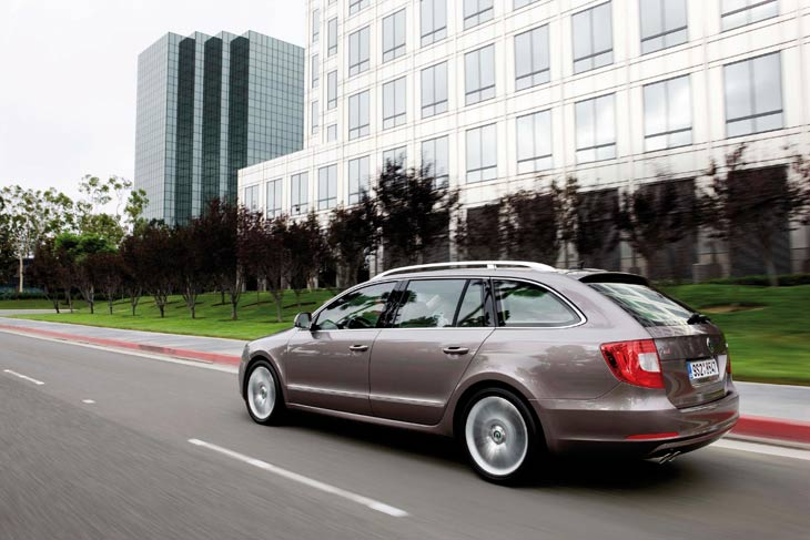 Skoda Superb Combi, variante familiar de la berlina checha.