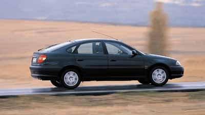 Hyundai Elantra 1.6 / Seat Toledo 1.6 16v / Toyota Avensis 1.6 VVT-i