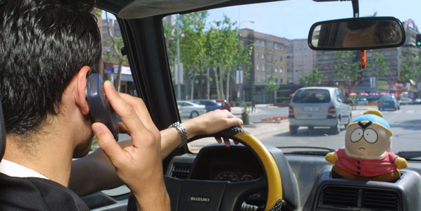 8.000 conductores denunciados por el móvil