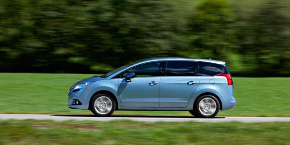 Nuevos Peugeot 3008 y 5008 e-HDI