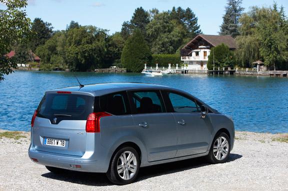 Peugeot 5008 e-HDI y 3008 e-HDI