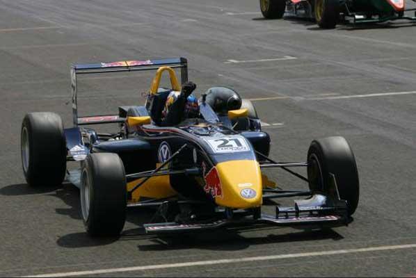 Daniel Ricciardo aseguró el campeonato