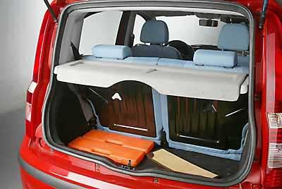 El maletero puede variar de 205 a 775 litros.