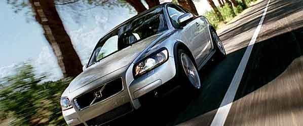 Volvo se fija en los internautas con el C30