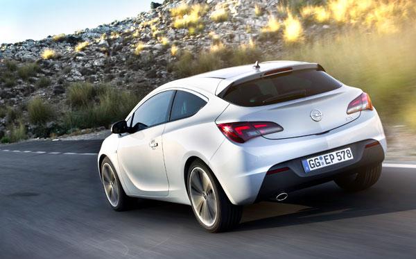 Opel Astra GTC el contacto