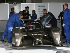Villeneuve y Sarrazin, con el Peugeot 908