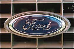 Ford reduce su deuda, pero no levanta cabeza en Europa