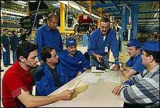 Ford quiere mejorar la relación con sus empleados