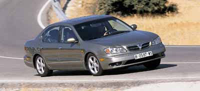 Chrysler 300M 2.7 V6 Autostick / Nissan Maxima QX 3.0 V6 SE / Opel Omega 3.0 V6 Executi