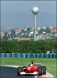 Schumacher acaricia el título mundial