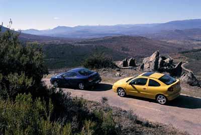 Hyundai Coupé 2.0 16v FX / Renault Mégane Coupé 2.0 IDE