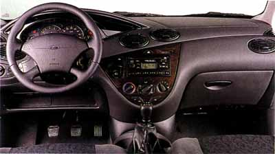 Ford Focus Familiar 2.0i / Volkswagen Golf Variant 1.6