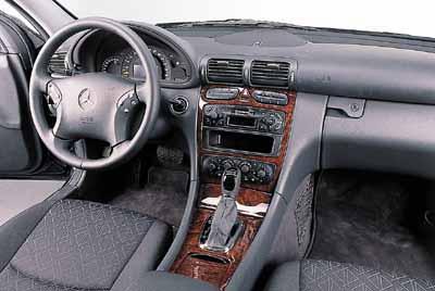 Lexus IS 200 aut. / Mercedes C 200K aut.