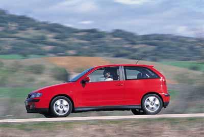 Seat Ibiza 1.6 Sport / Toyota Yaris T Sport