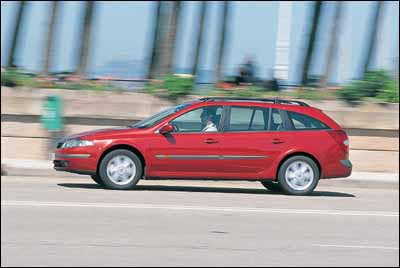 Citroën C5 2.0 HDI SX Break / Ford Mondeo TDdi Wagon Ghia / Renault Laguna Grand Tour 1