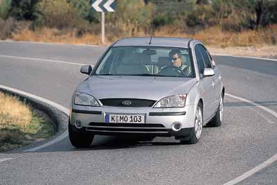 Ford Mondeo 2.0i Ghia / Peugeot 406 2.2 Pack