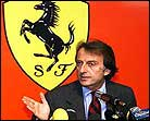 Expectación ante el Ferrari 2002