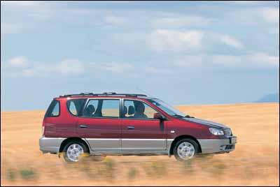 Citroën Xsara Picasso 1.6i vs Daewoo Tacuma 1.6 SX vs Kia Carens 1.8 LS