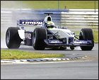 Ralf Schumacher marca el mejor tiempo en Silverstone