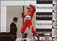 Schumacher sólo tiene a Fangio por delante