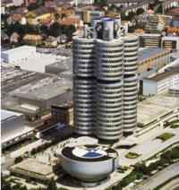 Joachim Milberg insiste en que BMW no se vende