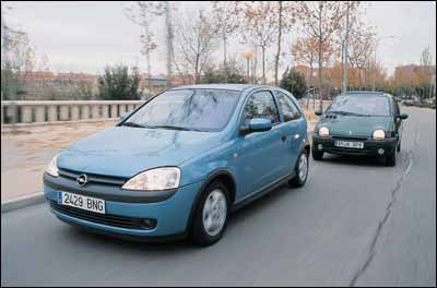 comparativa renault twingo 1 2 16 v quickshift opel corsa 1 2 easytronic. Black Bedroom Furniture Sets. Home Design Ideas