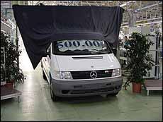 Mercedes Benz España fabrica su vehículo medio millón