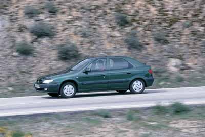 Citroën Xsara 2.0 HDi Exclusive 5p./ Nissan Almera 2.2 Di Luxury 5p. / Opel Astra 2.0 D